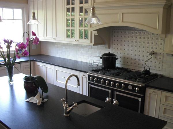 Come lucidare il marmo sassuolo carpi levigatura piani for Piani del bagno seminterrato